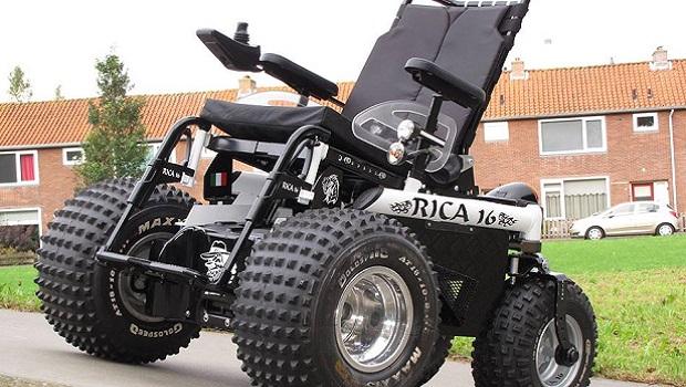 Lo scooter elettrico 4×4 per gli escursionisti