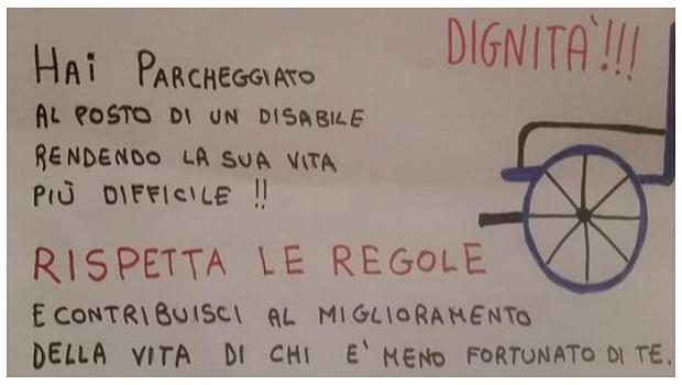 I ragazzi di Modena in giro a fare multe a chi ostacola i disabili