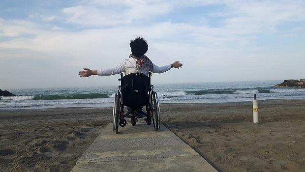 """""""Niente autobus in carrozzina"""": la triste disavventura di una disabile"""